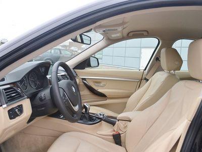 begagnad BMW 320 Gran Turismo d F34 184hk M-Sport Navi Xenon Skinn