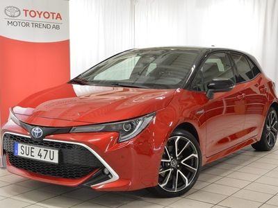 begagnad Toyota Corolla 2.0 Hybrid 5-D Executive Bi-Tone Navi V-däck Demo