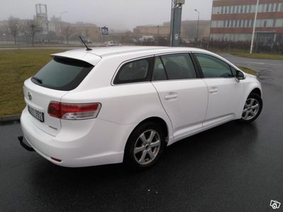 begagnad Toyota Avensis 1.8, Dragkrok, 7500 mil -11