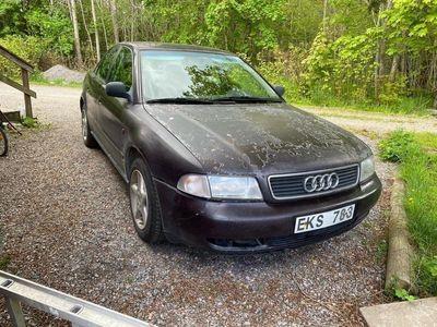 begagnad Audi A4 1.6 GDS/Reservdelsbil