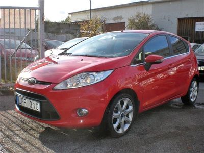 begagnad Ford Fiesta 1.2 Titanium Nybes Nykamrem Nyservad