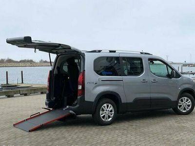 begagnad Peugeot Rifter handikappanpassad Golvsänkt 2019, Minibuss Pris 379 000 kr