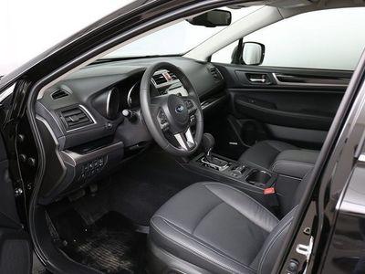 begagnad Subaru Outback 2,0D Summit Dragkrok, Skärmbreddare, Inlastningskydd 2016, Kombi 367 600 kr