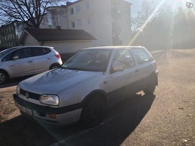 begagnad VW Golf CL 1.8 I -95