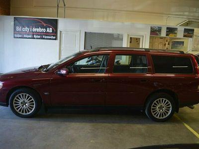 begagnad Volvo V70 2.5T (210hk) AWD Kinetic / Drag / Backkamera M.M