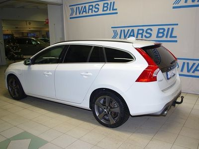 begagnad Volvo V60 D5 Plug-In Hybrid Momentum R-Design