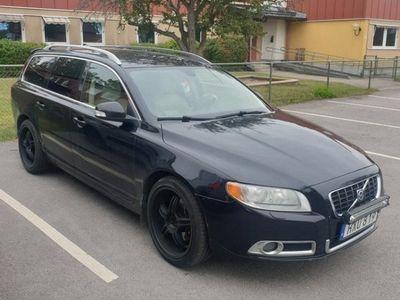 begagnad Volvo V70 II