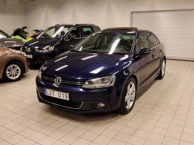begagnad VW Jetta 1.6TDI AUTO TAKLUCKA NAVI SVENSK