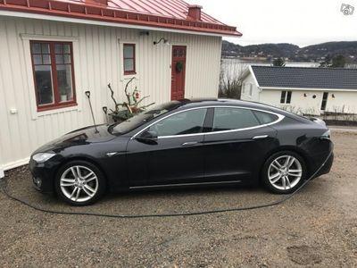 begagnad Tesla Model S 85D med mkt utrustning -16