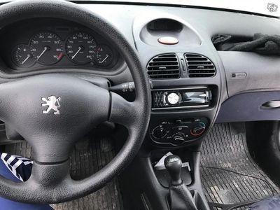 begagnad Peugeot 206 XR 5D 1,4 -00