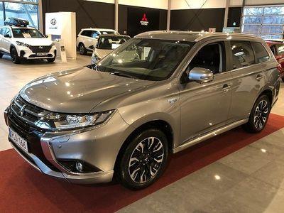 begagnad Mitsubishi Outlander P-HEV 4WD Business