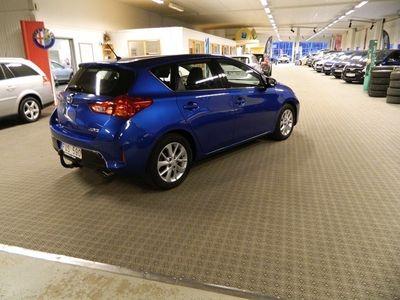 begagnad Toyota Auris 2.0 D-4D 6-vxl man 124hk Drag