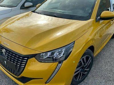 begagnad Peugeot 208 Edition PureTech Automat 2021, Halvkombi Pris 2 754 kr