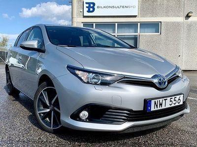 begagnad Toyota Auris Hybrid 1.8 VVT- CVT, Intense Edition 2018, Halvkombi 169 900 kr