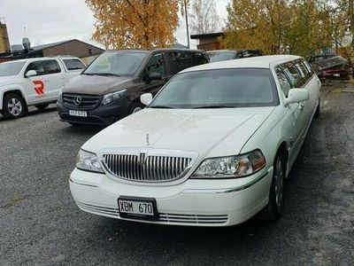 begagnad Lincoln Town Car Stretch 4.6 V8 Automat