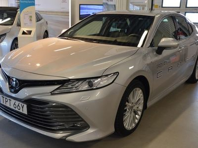 begagnad Toyota Camry Hybrid Executive Premium V-Hjul Friktion OMG Leverans