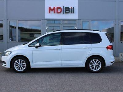 begagnad VW Touran TSI 110hk EU6 7 Sits Drag 0kr kontant möjligt
