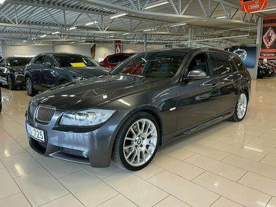begagnad BMW 325 i Automat M-Sport Touring (218hk)