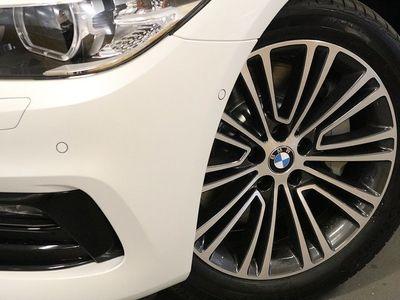 begagnad BMW 530 e xDrive iPerformance Sedan Sport line live cockpit profes