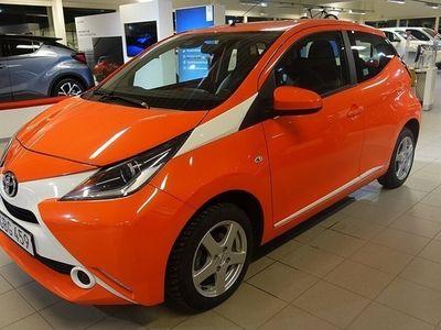 begagnad Toyota Aygo 1,0 MAN X-PLAY V-HJUL