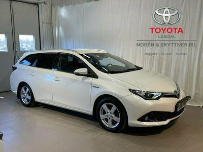 begagnad Toyota Auris Touring Sports Hybrid 1.8 Activeplus Comfort /5 års garanti