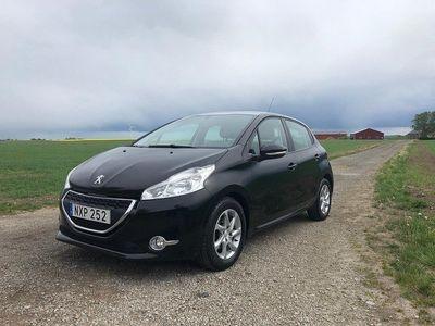 begagnad Peugeot 208 1.2 VTi 360kr Årsskatt / 9100 Mil