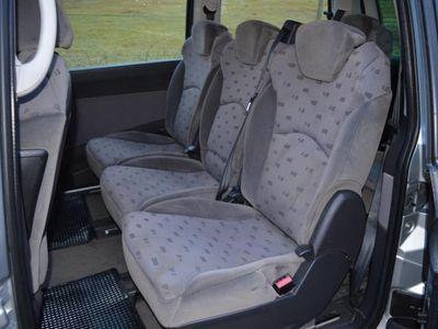 begagnad Peugeot 807 2.2- 7 sitsig NYSKATTAD -03