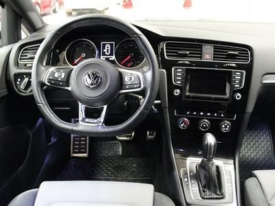 begagnad VW Golf Sportscombi SC 2,0 TDI 150 DSG6 / R-line