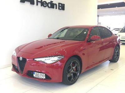 begagnad Alfa Romeo Giulia Sprint 2.0 GME 200 HK TURBO RWD AT8 MY20 *DEMOTILLFÄLLE* FORDON KAN TIDIGAST LEVERERAS 21A APRIL-20