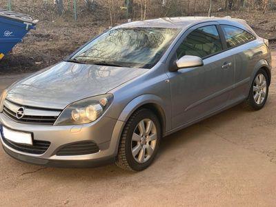 begagnad Opel Astra GTC 2.0 Turbo
