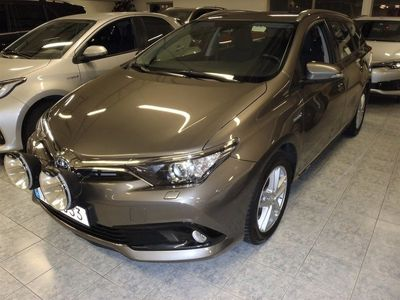 begagnad Toyota Auris 1,8 Active Touring Sports Hybrid