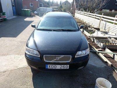 begagnad Volvo V70 2.4 Kinetic 170hk