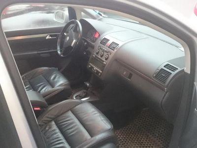 begagnad VW Touran 2,0 tdi 7-sits all utr -09