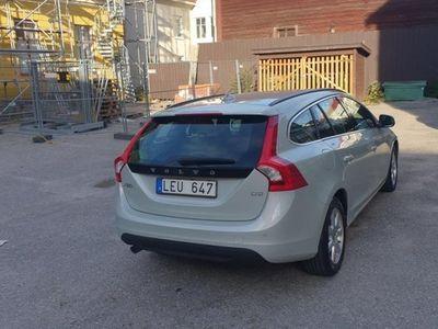 begagnad Volvo V60 D3 Momentum