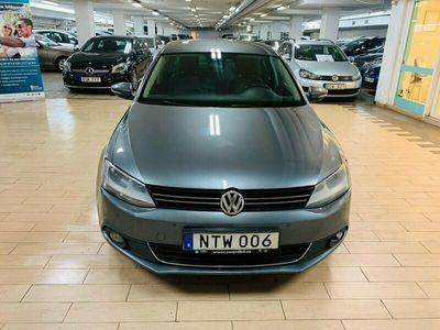 begagnad VW Jetta 1.4 TSI Premium, Sport 160hk.NY SERVAD