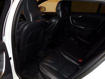 begagnad Volvo V60 D5 AWD Momentum Business E PRO