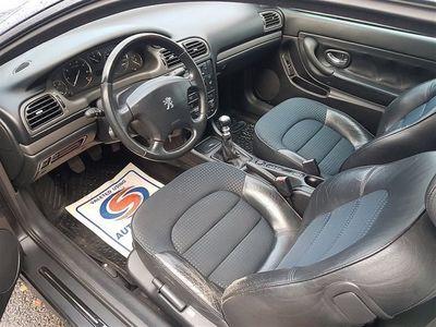 begagnad Peugeot 406 Coupe 2,2