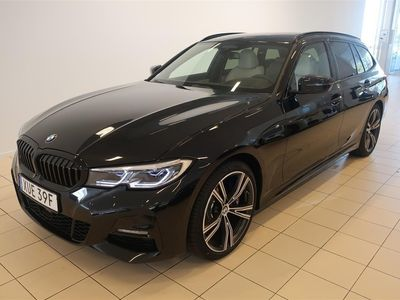 begagnad BMW 330 d xDrive Touring M Sport Innovation Värmare Drag Panorama H&K