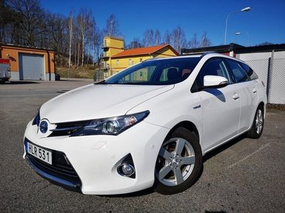 begagnad Toyota Auris Touring Executive Automat 1.8