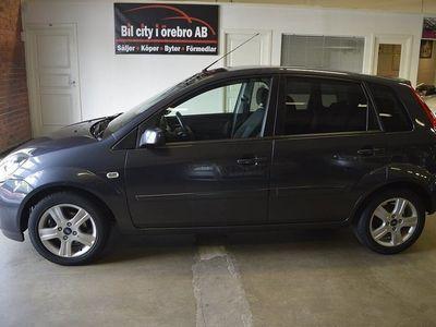 begagnad Ford Fiesta 5-dörrar 1.4 (80hk) Duratec 2-Ägare / Låga Mil / Nyservad