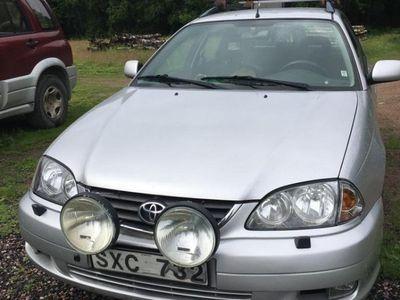 begagnad Toyota Avensis Kombi 1.8
