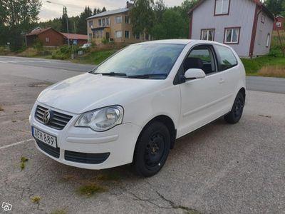 begagnad VW Polo 1,4 Nybes/Nyskatt HÖGERSTYRD Lågmi -07