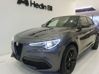 begagnad Alfa Romeo Stelvio NYAB-TECH MY20 2.0 280 HK AT8 4WD *NYBILSKAMPANJ*