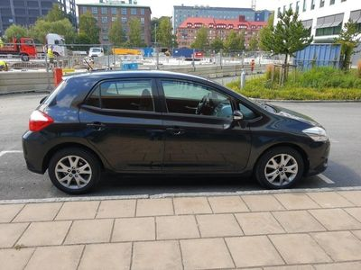 begagnad Toyota Auris 2-Ägare Låga Mil & Ny Besi