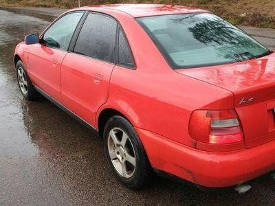 begagnad Audi A4 laga eller plocka delar. Besiktigad