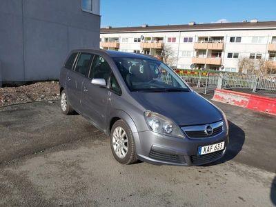 begagnad Opel Zafira 2.2