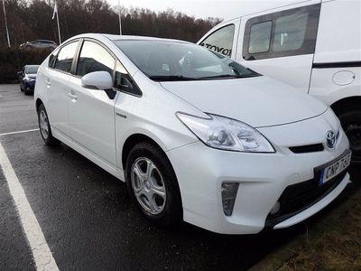 begagnad Toyota Prius 1,8 HSD Hybrid Active V-hjul ingår 2014, Halvkombi