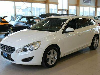 begagnad Volvo V60 D3 Summum 2011, Kombi Pris 84 900 kr