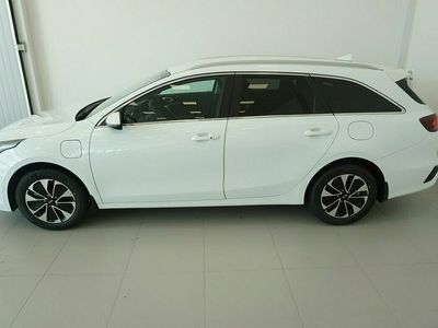 begagnad Kia cee'd CEEDSW 1.6 DCT Plug-In Hybrid Advance