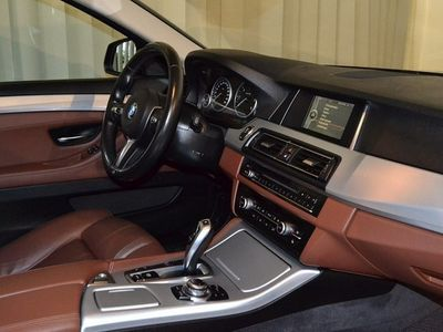 begagnad BMW 530 d A Touring xDrive Sportpaket (258hk)